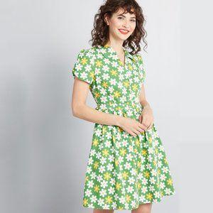 NWT Modcloth Retro Flower Shirt Dress